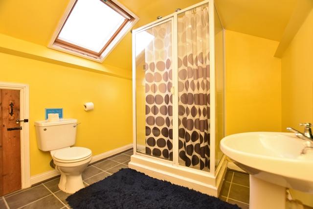 Bedroom 5 Ensuite
